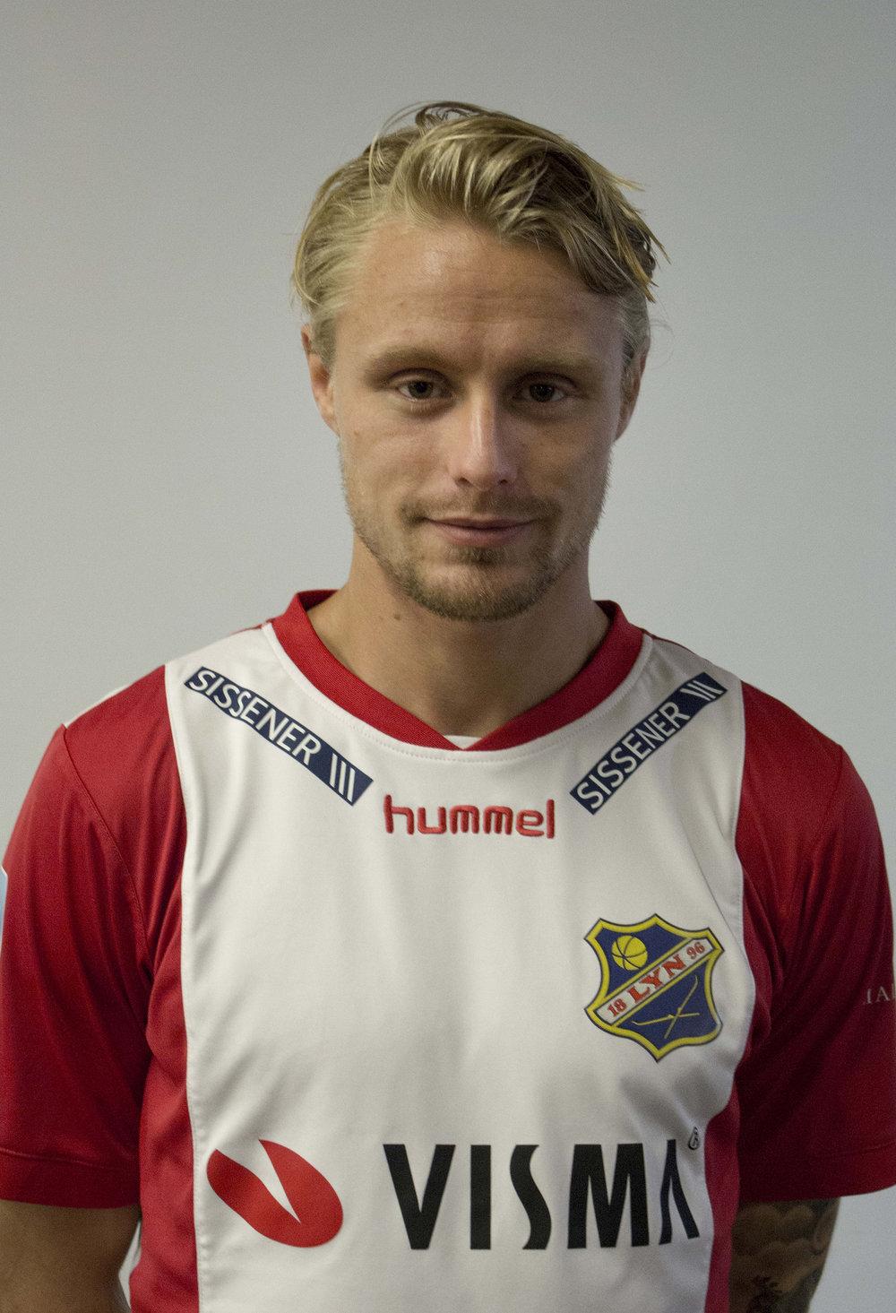 - Tidligere klubber: Egen junioravdeling, Stabæk, JervPosisjon: AngrepKom til Lyn: 2010 / 2018