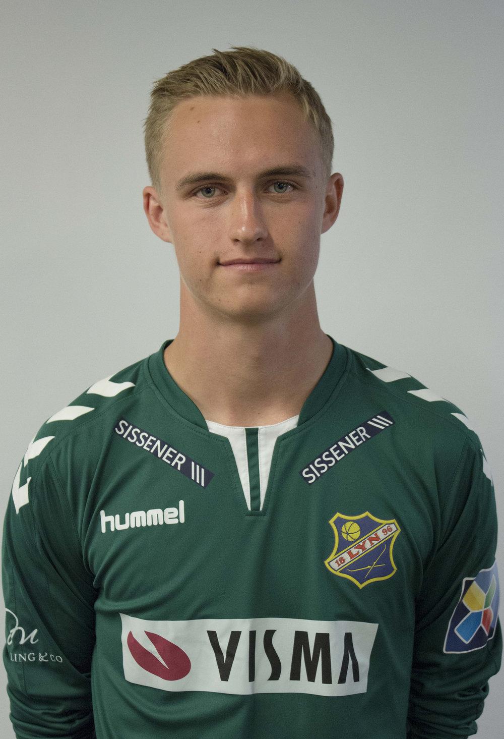 - Født: 1999Tidligere klubber:Stabæk, Ready, RøaPosisjon: KeeperKom til Lyn:Sommer 2018