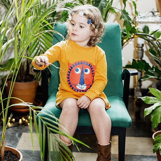 Thanks @ladnebebe for the beautiful post on Louvea! 🙏🙏🙏 #lifestyleblogger #kidswear #childrensfashion #childrenwear #girlsdresses #boldcolor #lion #illustration #kidsfashion #colourful #jungle  #fashionbaby #momblogger #ladnebebe #craftyfoxfinds