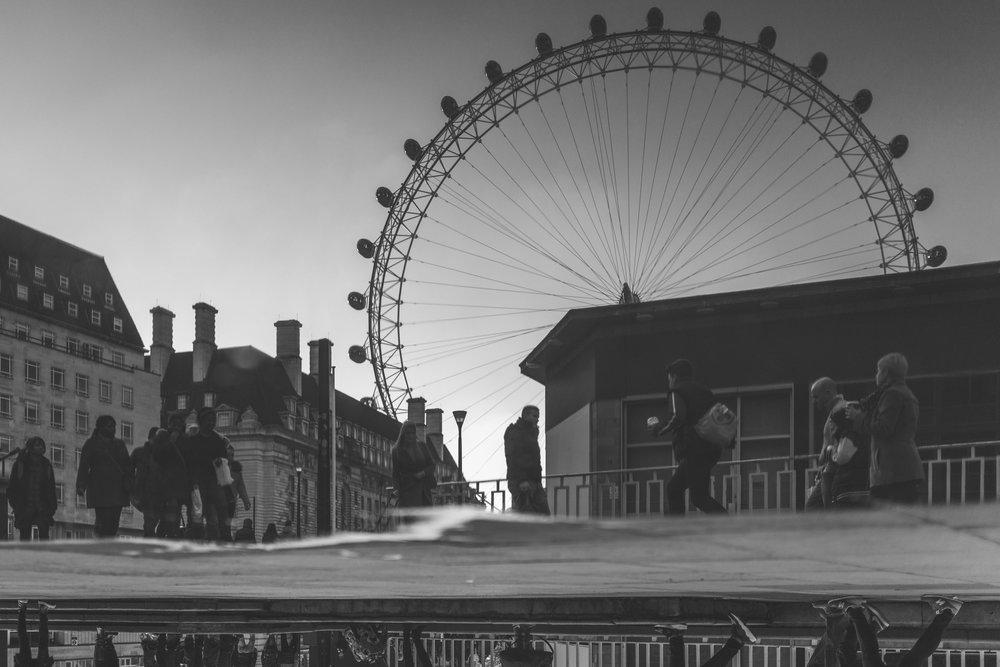 negativespace-londoneye