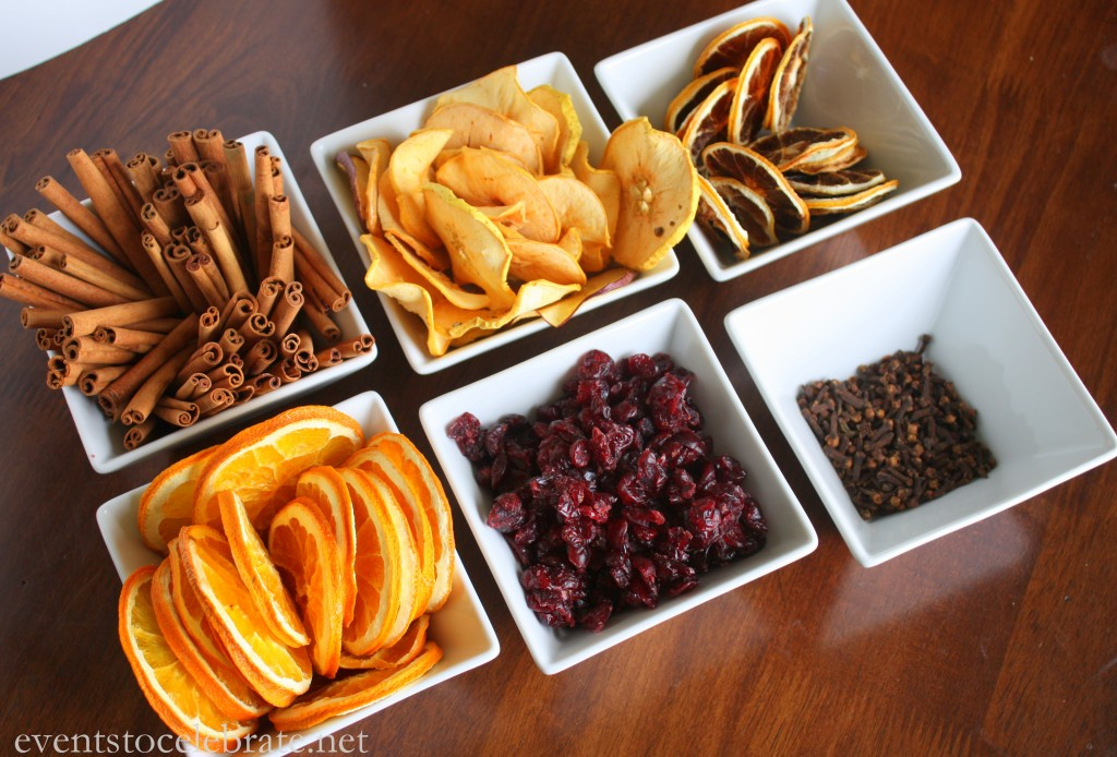 Homemade-Christmas-Potpourri-Recipe-Free-Gift-Tag-1024x694