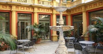 courtyardsliderlarge