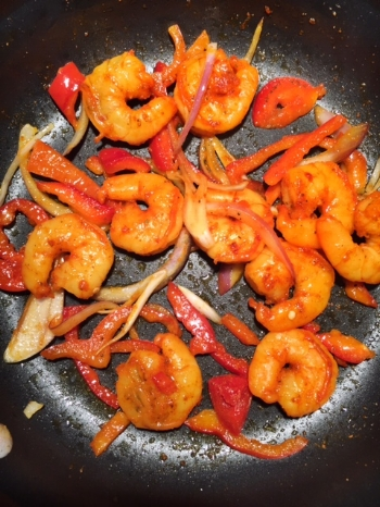 Sizzling shrimp for the tacos!