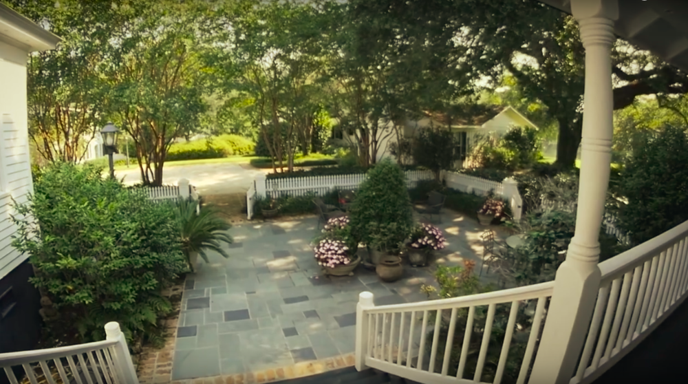 Courtyard overlooking the guest homes.
