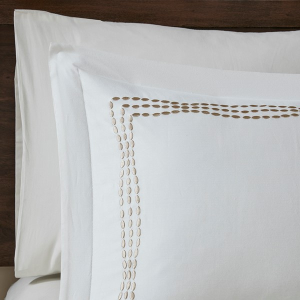 DUVETS & BEDDING - Our range of premier bedding includes timelessly beautiful investment pieces. Snuggle up in the warmth of a goose-down duvet, or rest your head on a luxurious silk-filled pillow.