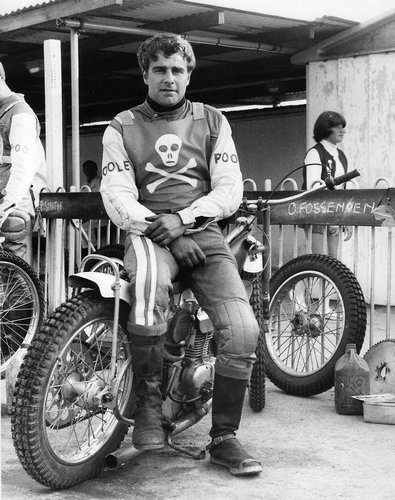 I've got a sudden interest in Speedway, probably linked to my friends doing grasstrack (previous post) as much as my lifelong love of motorcycles. There's something about it that seems unapologetically of another era.  The Poole Pirates were big in my youth - speedway was big in the 1970's, a motorsport for the working class. (image via)