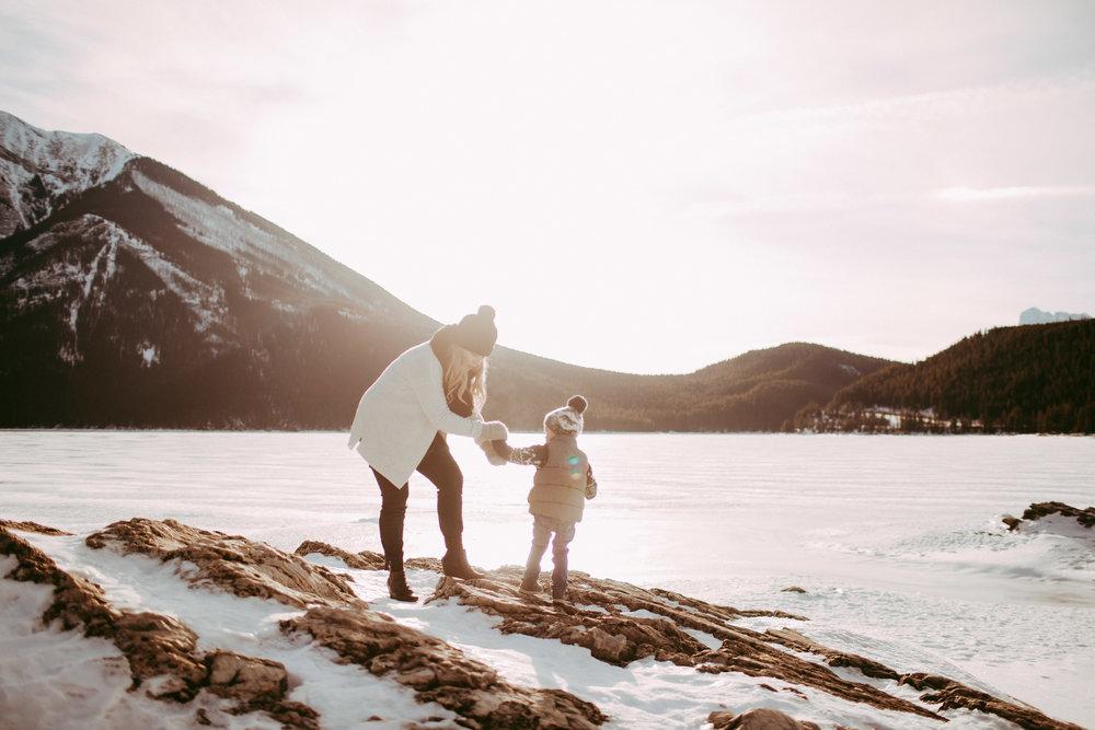 Warawa Family Banff_20170121-15.jpg