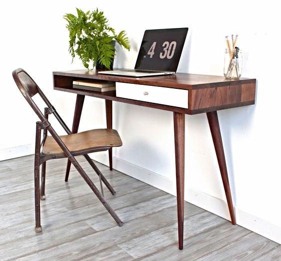RemodelAholic DIY Desk