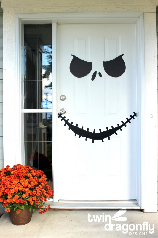 DIY Skellington Door Credit TwinDragon