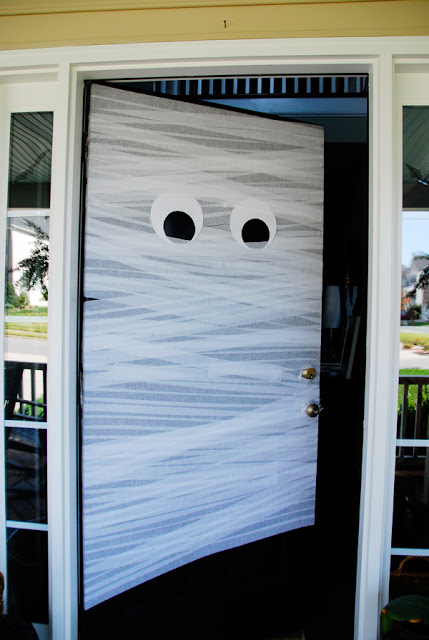 DIY Mummy Door Credit Hone&Fritz