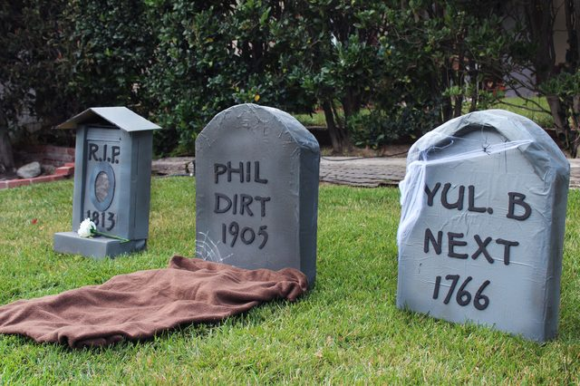 DIY Tombstones Credit Ehow