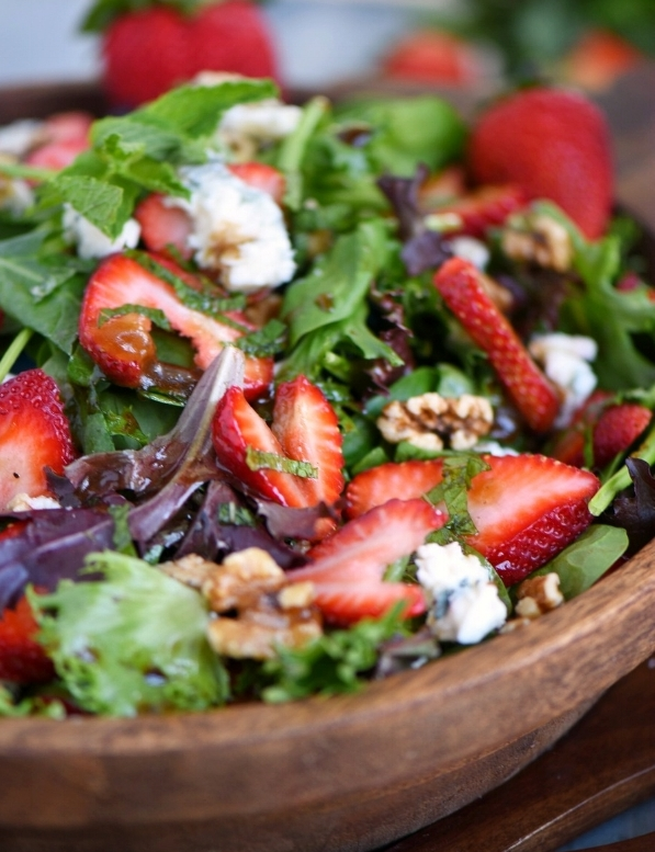Strawberry Salad with Gorgonzola, Walnuts, & Mint -