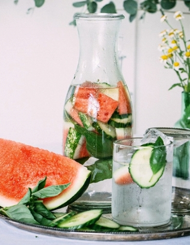 Watermelon, Mint, & Water - Watermelon- Strong antioxidant, anti-inflammatory, supports a healthy heart, strengths bone health & prevents prostate cancer.Mint- Cleanses the stomach, fights depression, clears acne, fights allergies, prevents cancer, relieves fatigue, & improves memory.