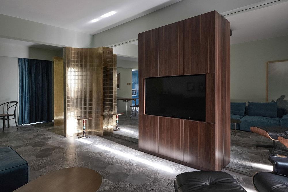 Um apartamento com luz interior