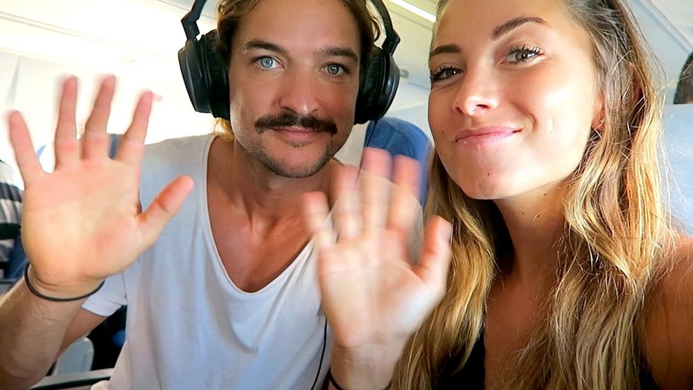 EP:01 Sailing La Vagabonde with Riley and Elayna