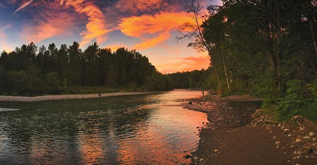 Beautiful sunset over the Sandy River tonight - Fucking love the #PNW
