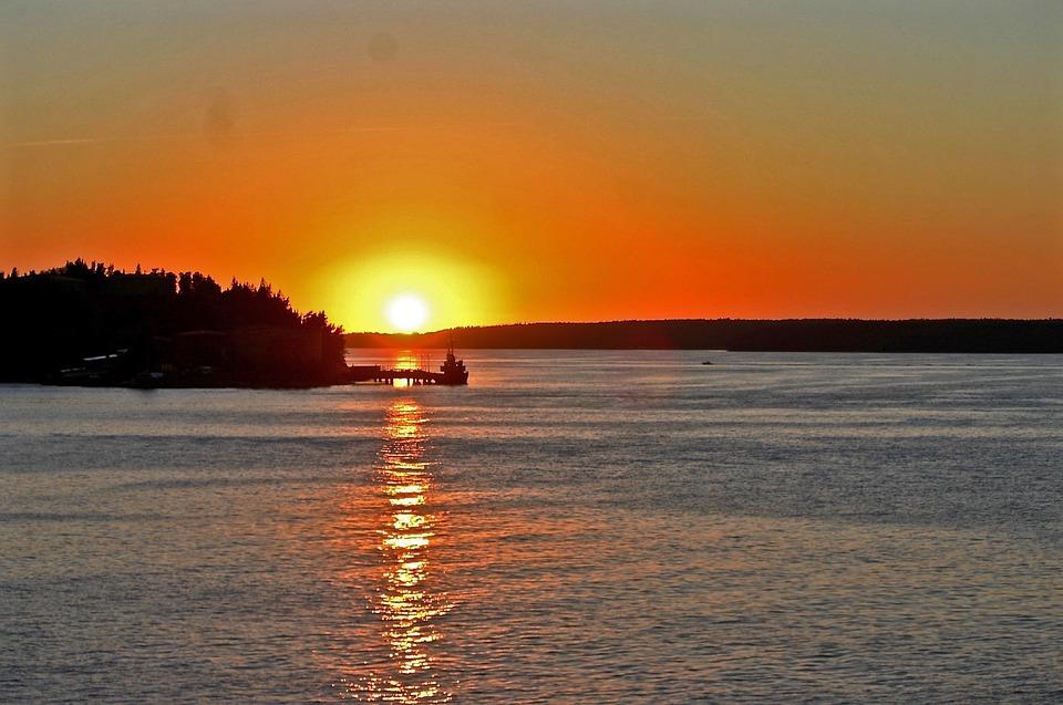 sunrise-960732_960_720.jpg