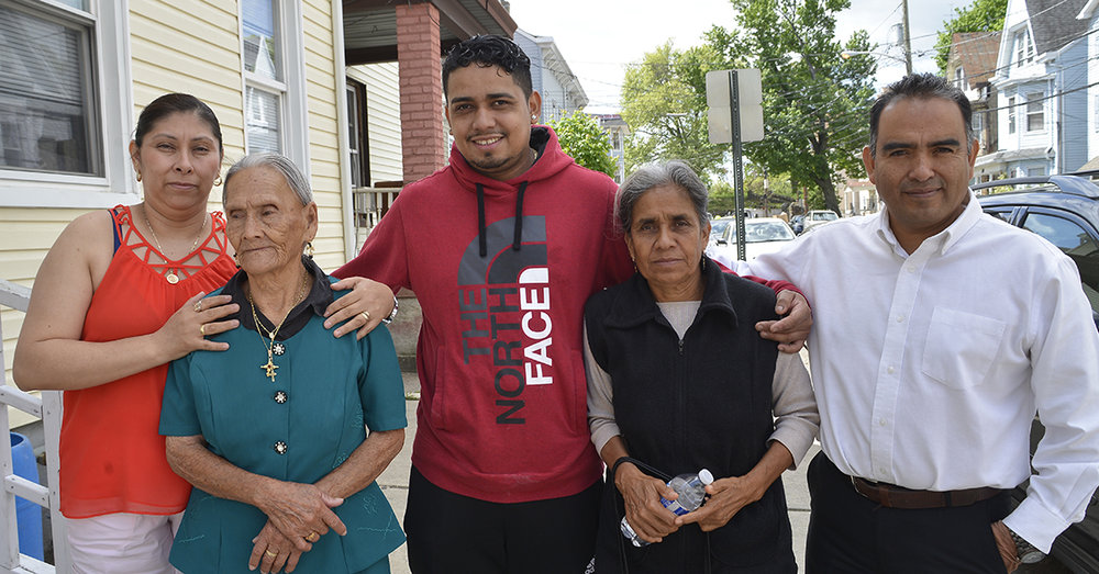 Mexican Program Reunites Families in New Jersey