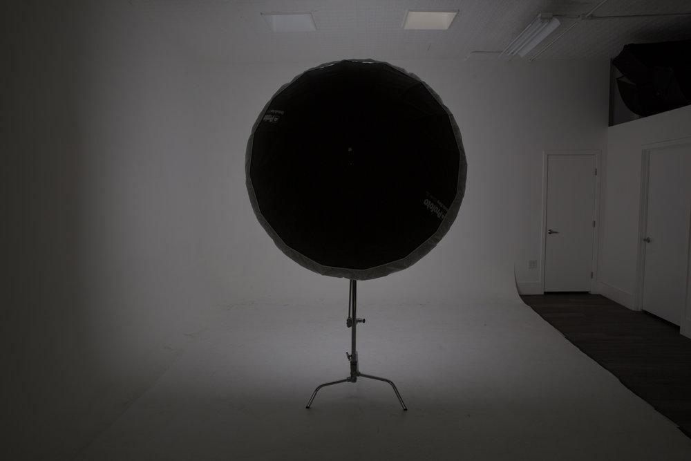B1X XL Deep Silver Umbrella w/ Diffusion