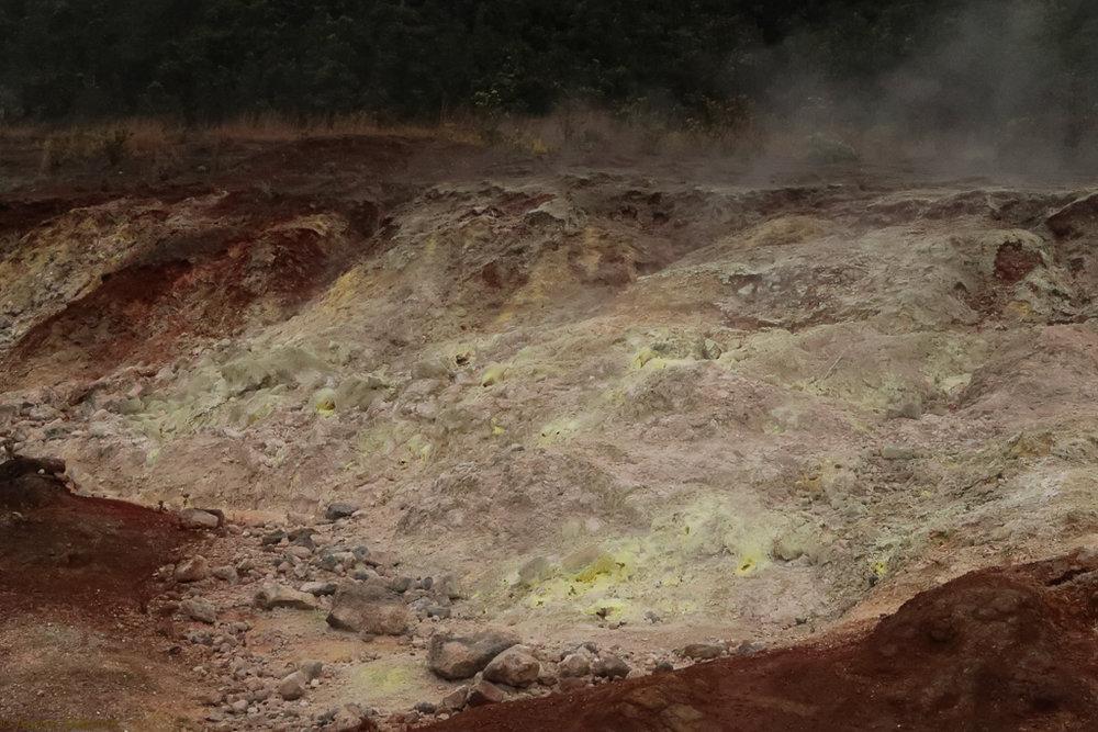 Wall of sulphur