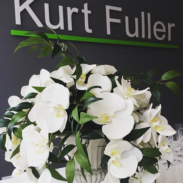 Congratulations and good luck to Sharon and Cathy for the start of their new venture of Kurt Fuller Estate Agents in Ealing, West London #contractflowers #orchids #flowersfortheoffice #officeflowers #urn #followme #amazing #tbt #flowers #instagood #love #photooftheday #tagforlikes #beautiful # happy #instalike #like #like4like