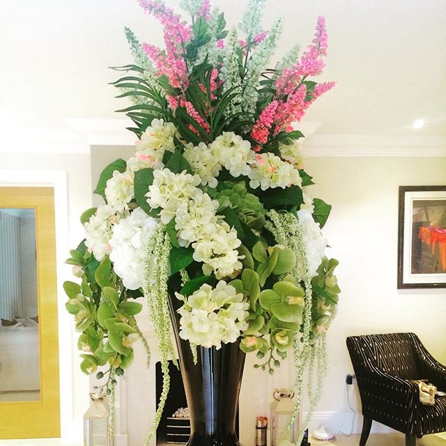 Floral arrangement for Shailos house in Gerards Cross, Bucks #grandflowers #flowers #hydrangea #orchids #veronica #artificialflower #largeflowerarrangement  #vase  #followme #amazing #tbt #flowers #instagood #love #photooftheday #tagforlikes #beautiful # happy #instalike #like #like4like