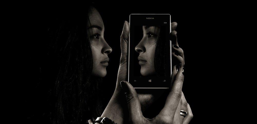 smartphone-1618909_1920 (1).jpg
