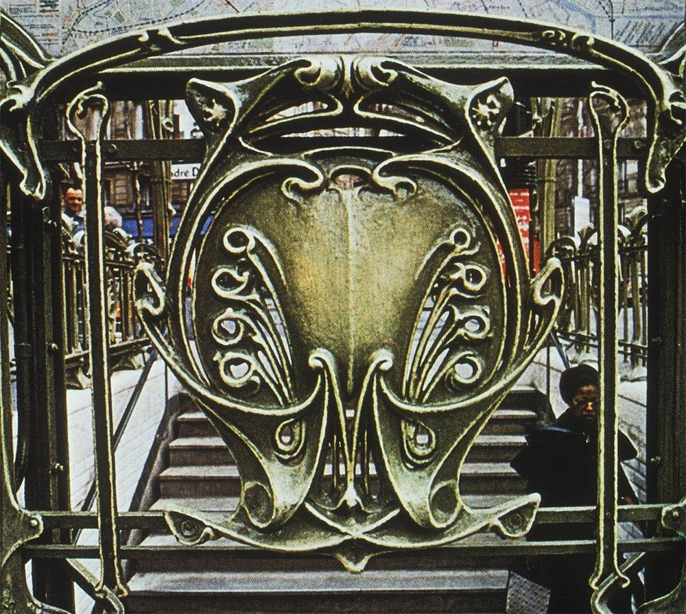 Guimard, Hector.  Paris: Metro, Victor Hugo: Ext . c. 1900. Photograph. University of California, San Diego. ARTstore. Web. 04-11-2017.