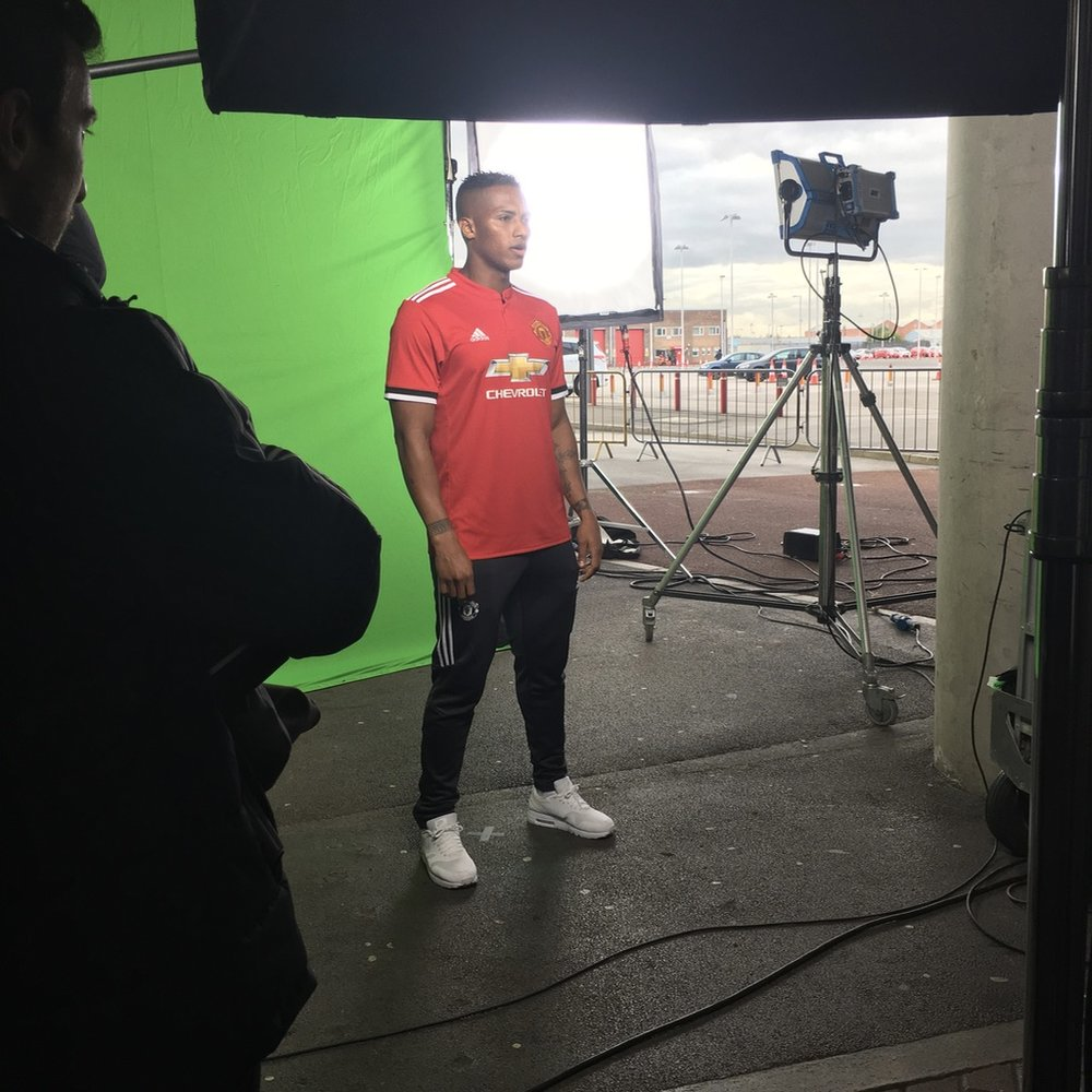 Film Manchester United Commercial Production Service Fixer Chevrolet 13
