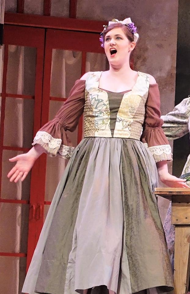 As Giannetta in L'elisir d'amore
