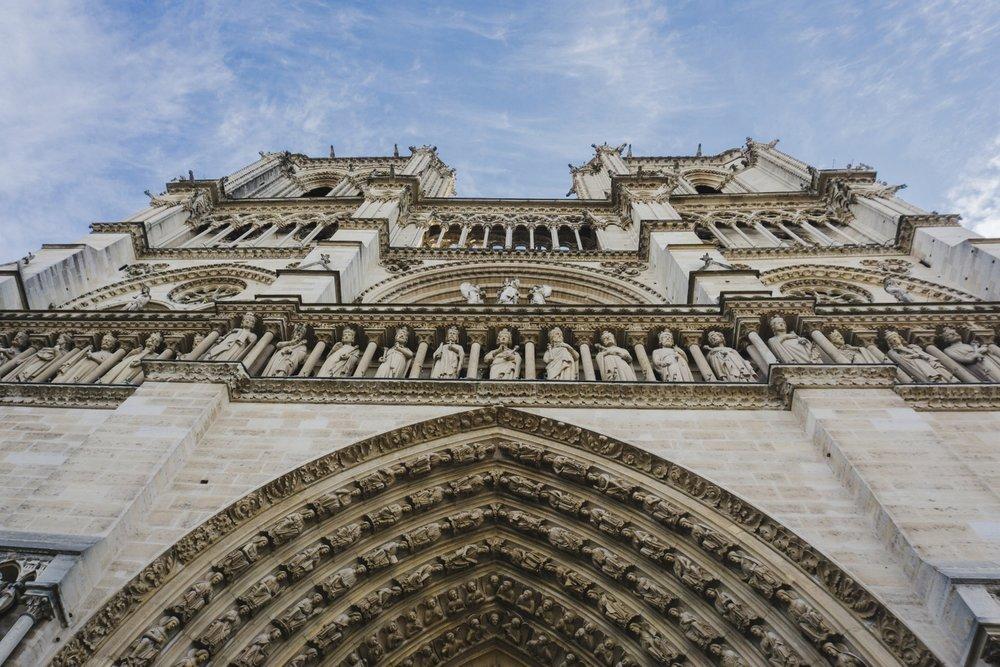 Tripp Films_Paris_Notre Dame_Archway_Guide