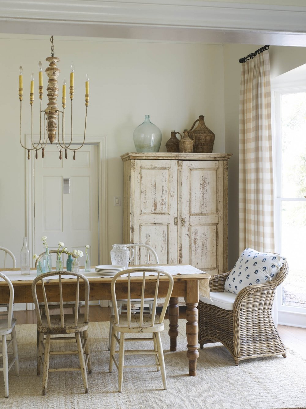 Country Living Magazine_Stylist Becki Griffin_Curious Details