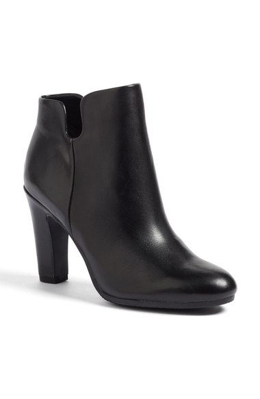 $89.90 (sale) - Sam Edelman