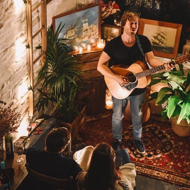 Old Jarv's on pour again at another sell out @theporchsessions tomorrow night @hither_yon cellar door sessions, lovely times #oldjarviewines #cellardoor #porchsessions 📸: @fenj_ 🎶@harrisonstormmusic 🤙