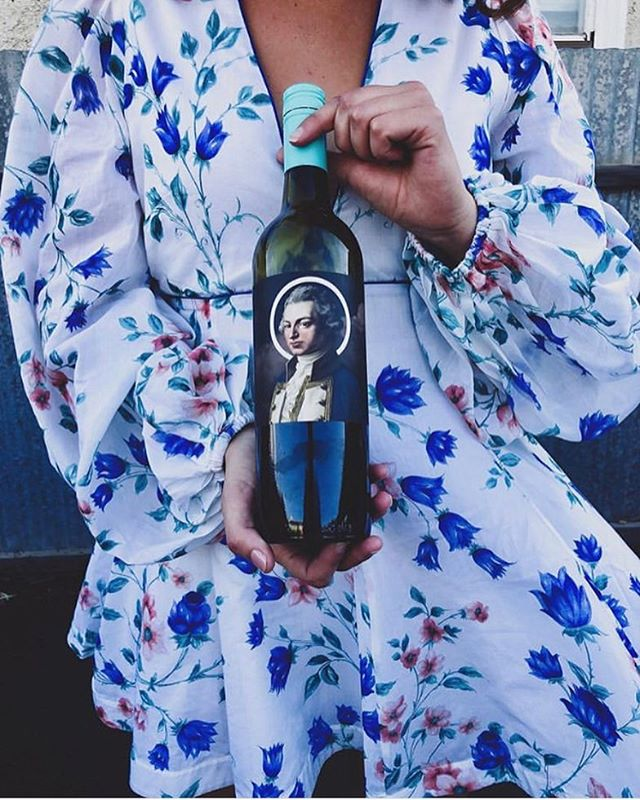 """perfect late summer ray's for Valentine's Day 😍 @pantsoffwineday has chosen well with our """"Saviour"""" Tempranillo blend..put a little bit of chill into it and ideal for a slurpy afternoon #coolblue #fleurieupeninsula #tempranillo #blend #dress 📷: @pantsoffwineday 👗"""
