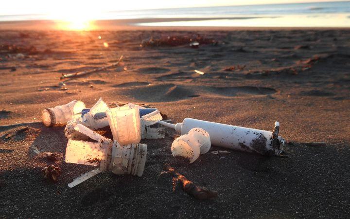Radio NZ, 7 Dec 2016<br><br>Shooters urged to adopt <br>environmental-friendly ammunition