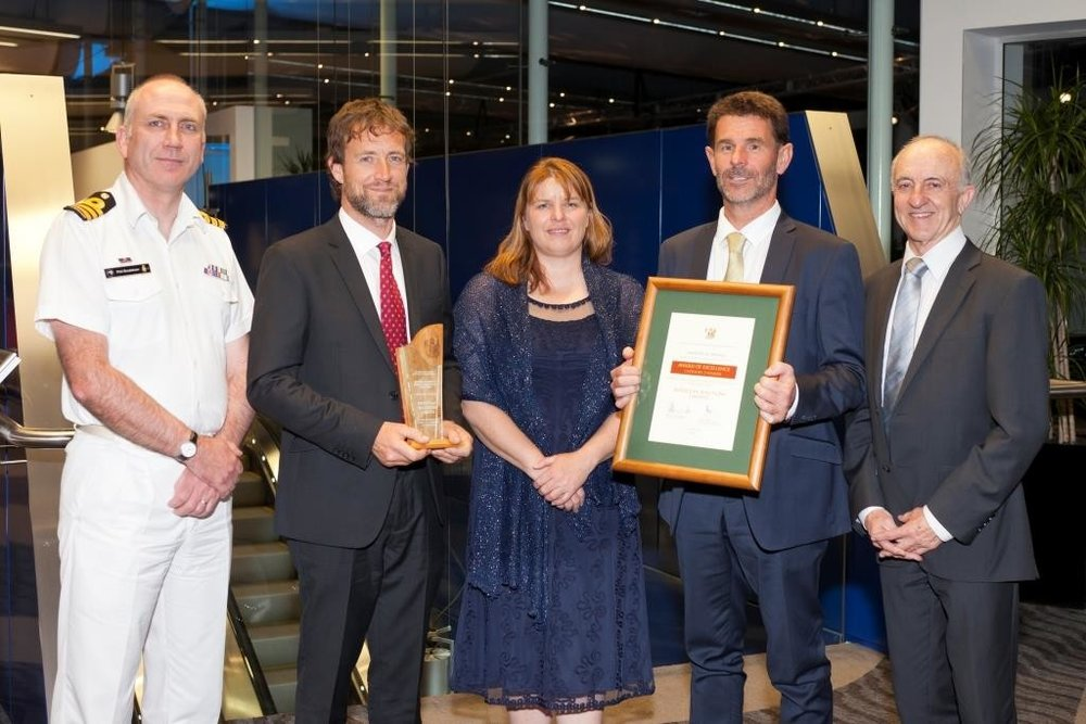 Defence Technology Agency, 18 Nov 2016<br><br>SurfZone View wins Minister of<br>Defence Industry Award