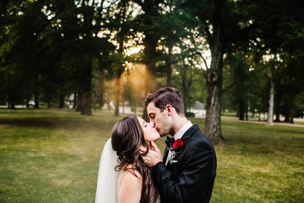 Cedar Hall Memphis Summer Wedding_ The McDonalds_Ashley Benham Photography-878.jpg