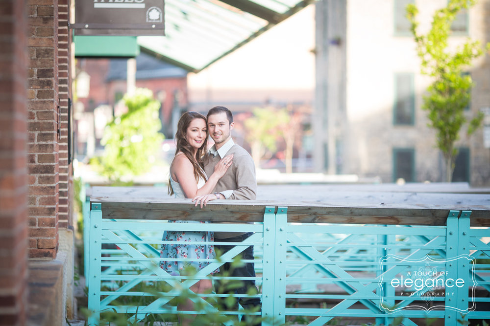 high-falls-rochester-engagement-session023.jpg
