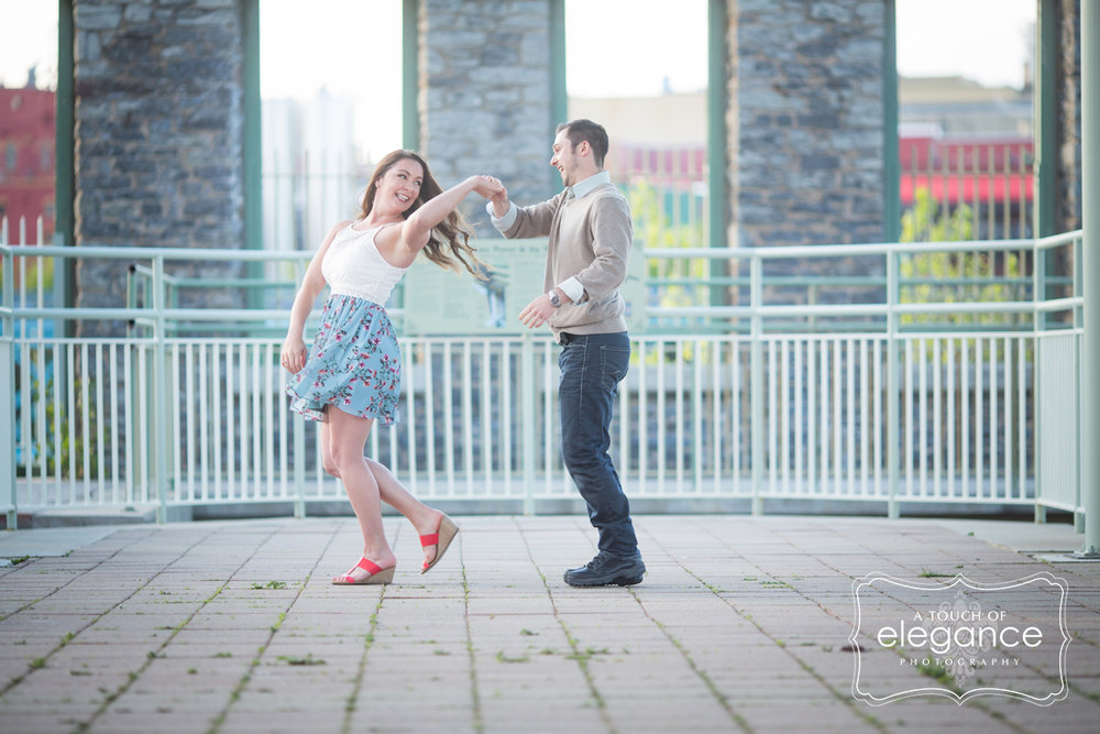 high-falls-rochester-engagement-session039.jpg