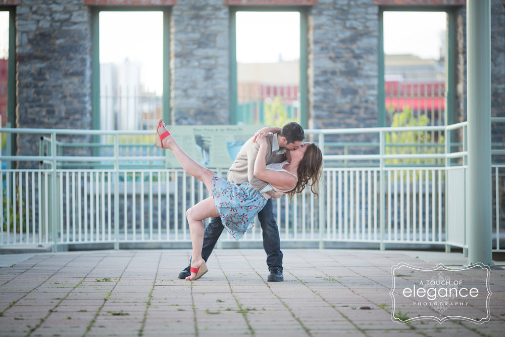high-falls-rochester-engagement-session040.jpg