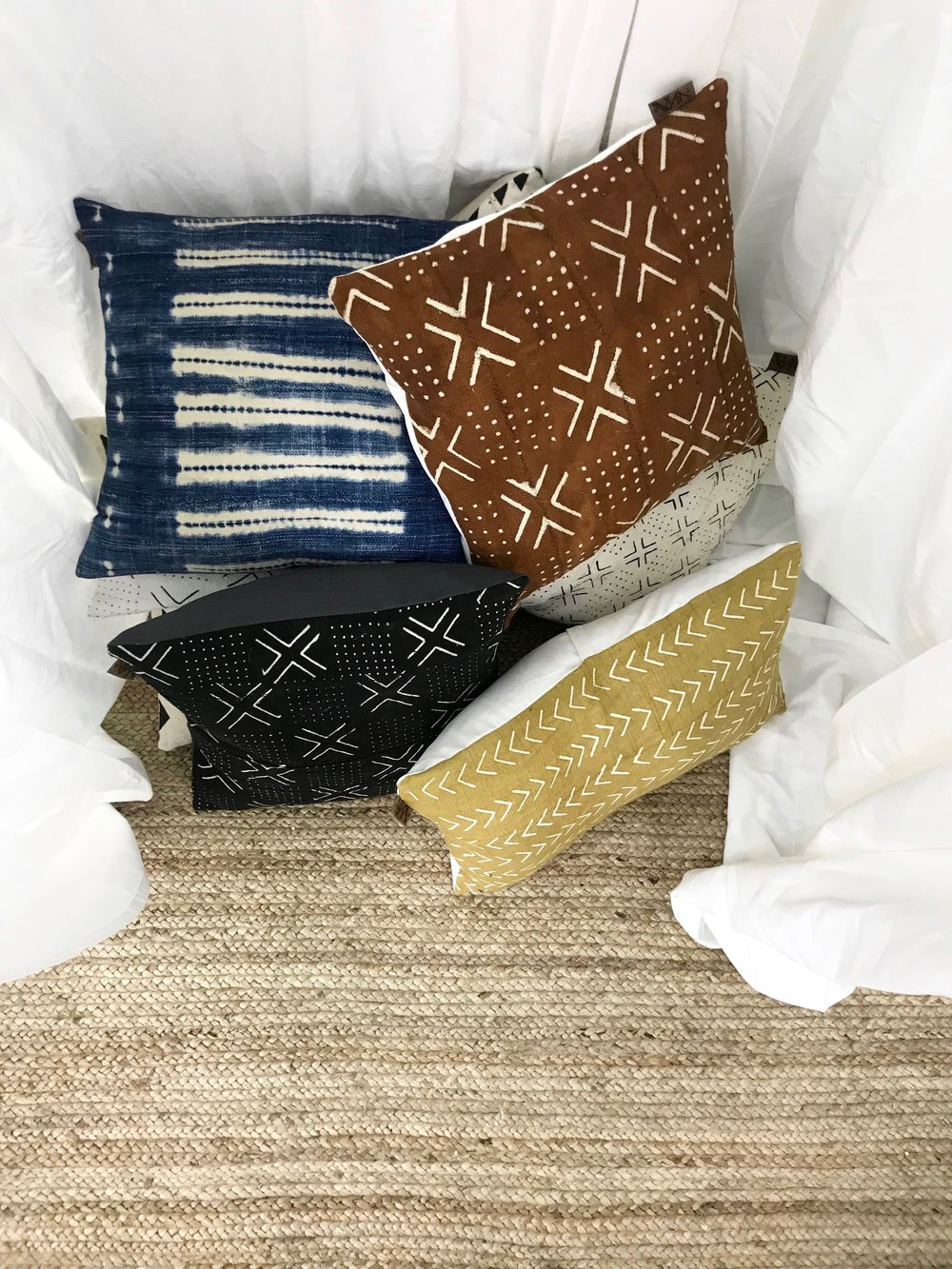 xNasozi Decorative Pillows are so inviting! - Photo credit: xNasozi