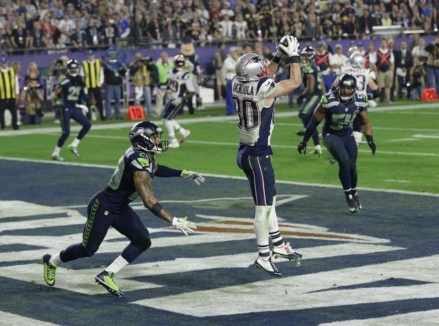 Super-Bowl-Football_Spof_1422846620284_12969617_ver1.0_640_480.jpg