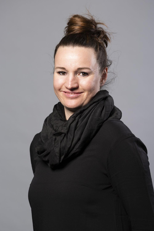 Iris OELSCHLEGEL - Germany