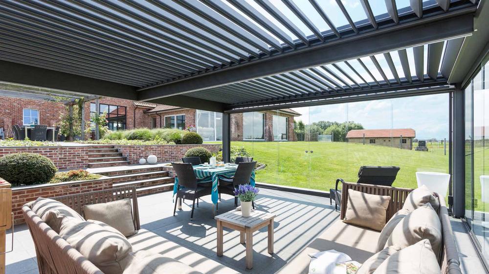 pergolas-pergulas-telheiros-cortinas de vidro-jardins-terraços-varandas-casa-exterior-madeira