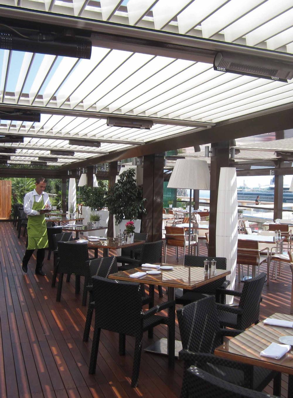 pergolas-pergulas-esplanadas-deck-terraço-jardins-cortinas de vidro-restaurantes-bares