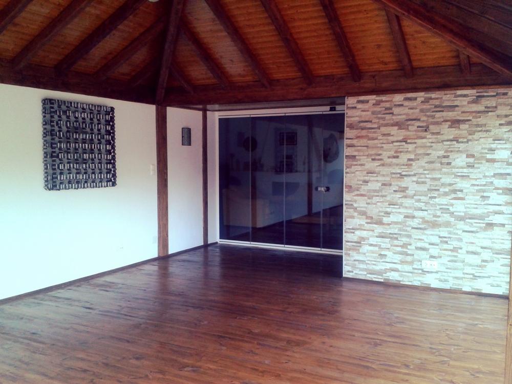 Interior-Casa-de-madeira