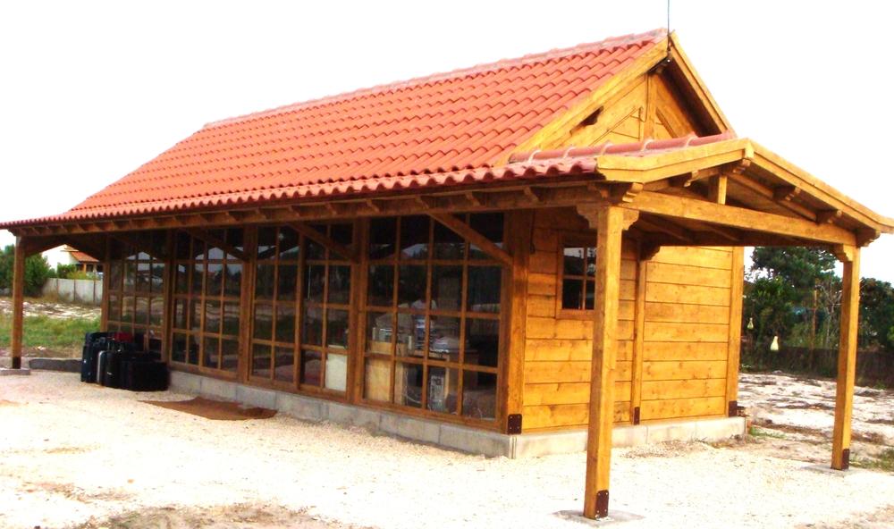 Casa-em-madeira-com-telheiro