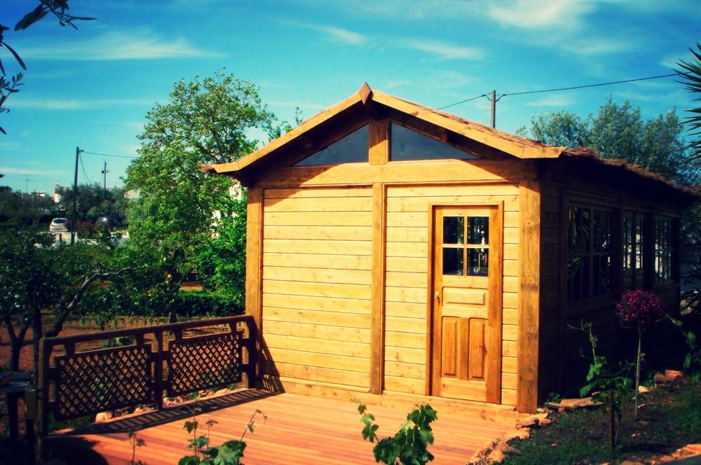 Casa-de-madeira-com-alpendre-terraço