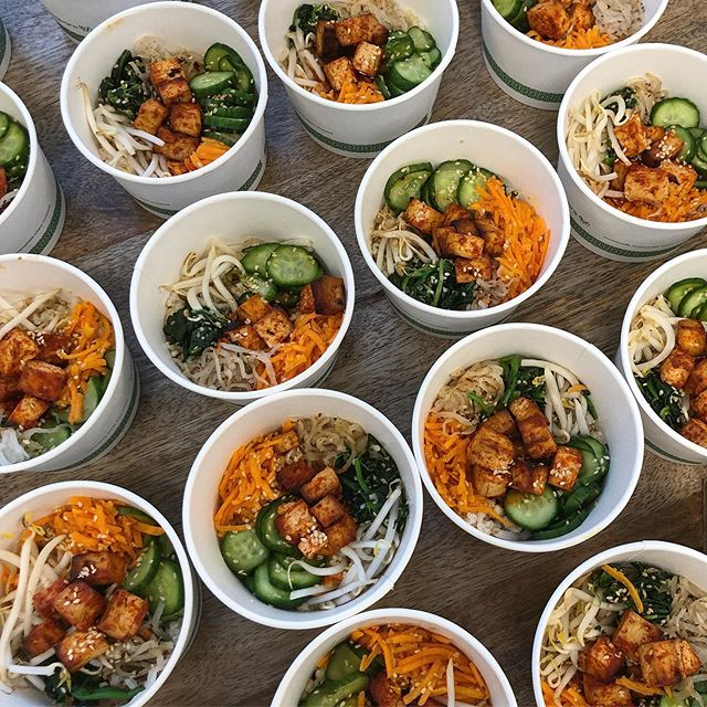 Vegan bi bim bap bowls for a tech networking event @goustocooking HQ last week. So enjoyed making these with lots of pickled vegetables, the most delicious garlicy sesame spinach and gojuchang roasted tofu 😋 . . . #vegan #plantbased #vegancooking #vegancateringlondon #londoncatering #londoncaterer #corporatecatering #bibimbap #bibimbapbowl #powerbowl